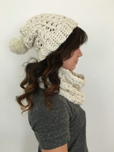 This lovely women's winter hat is a great, everyday go-to! The ribbed brim offers the perfect stretch and warmth for even the coldest of days while the lacy shell pattern makes it a beautiful accessory to your casual cold-weather outfits. Top it with a faux fur pom, a matching pom or leave plain - whatever your choice, this hat is stunning. A quick and easy crochet, you can complete this hat in about an hour!