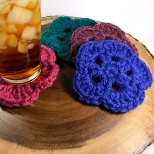 crochet coasters pattern with a glass of sweet tea