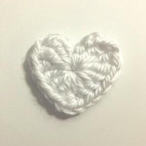 PRECIOUS HEARTS BUNTING   VALENTINE'S BUNTING   CROCHET PATTERN #heartcrochetpattern #crochetbunting