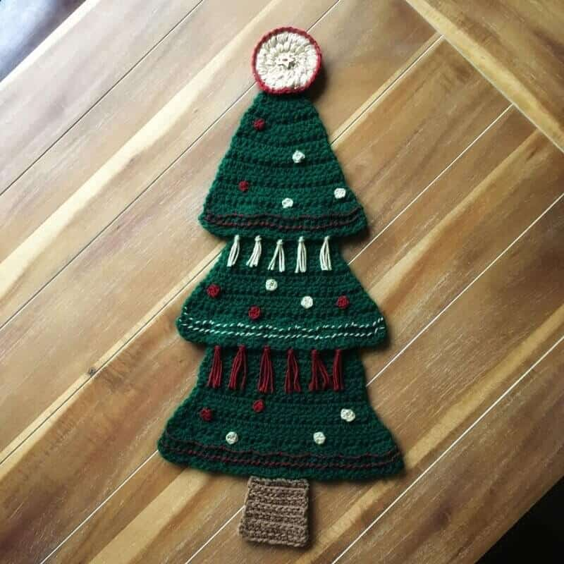 Photo of the crocheted Christmas Tree Wall Hanging home decor