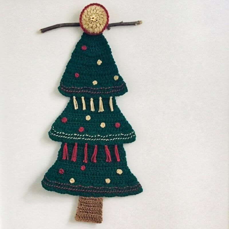 A photo of the Christmas Tree Wall Hanging with white background